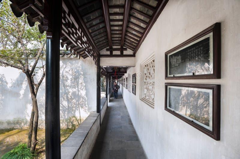Utomhus- kloster på Lion Grove Garden, Suzhou arkivfoto
