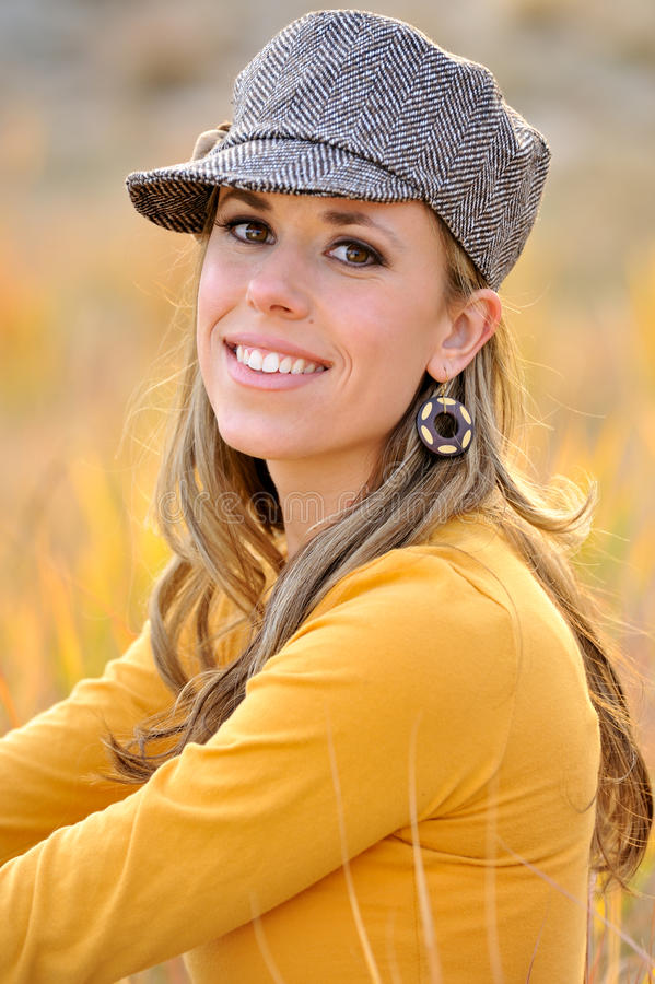 utomhus- kvinna för höst royaltyfri foto