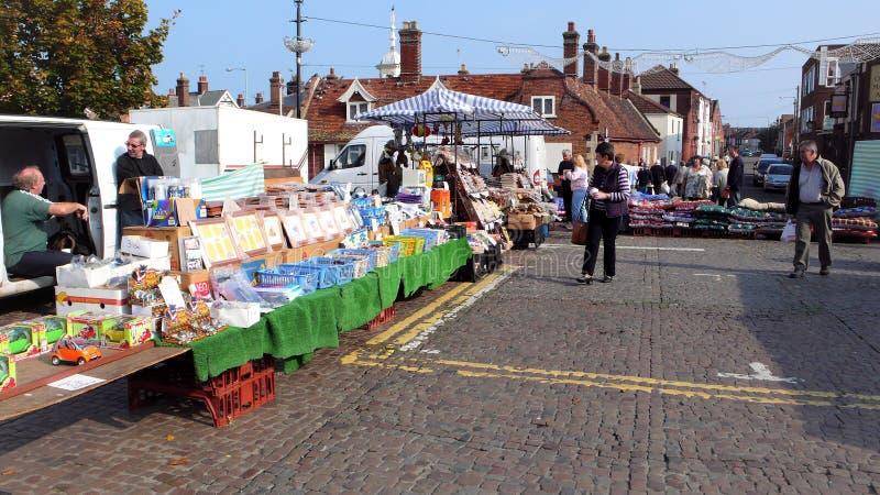 Utomhus- marknad, Sheringham, Norfolk, UK arkivfoton