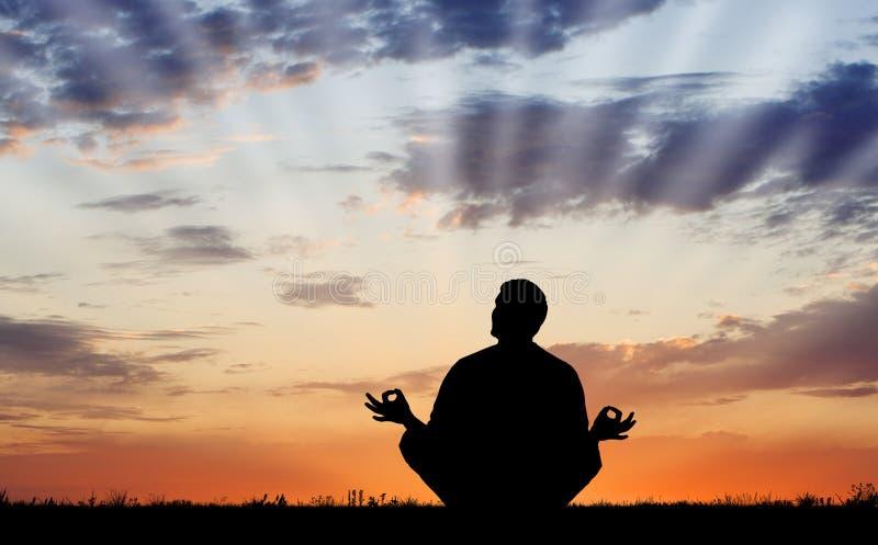 utomhus- meditation arkivfoton