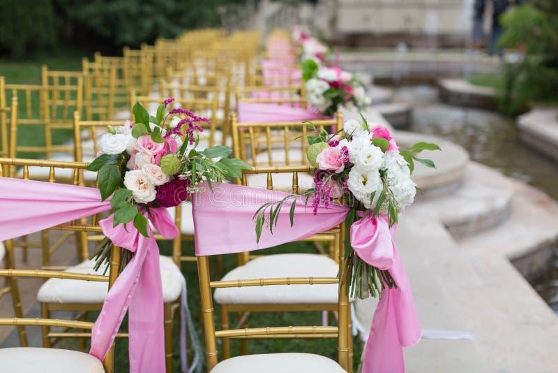 utomhus- platsbröllop fotografering för bildbyråer