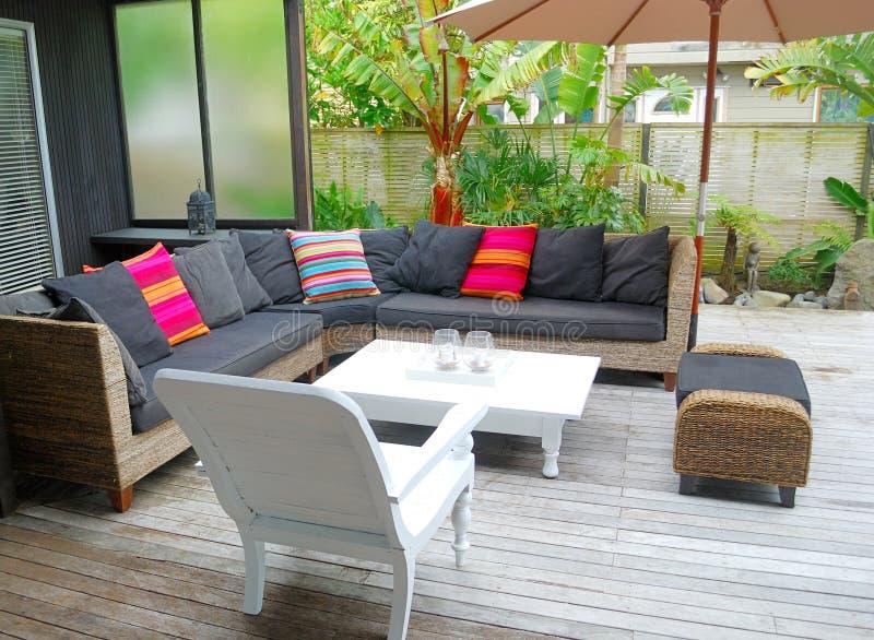 utomhus- stilfull terrass royaltyfri foto