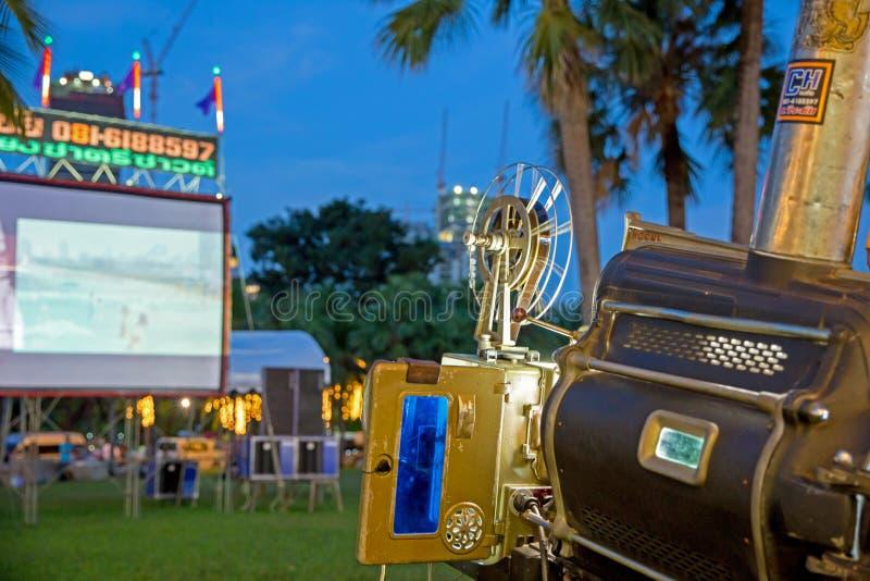 Utomhus- teater i Thailand, selektiv fokus royaltyfri foto