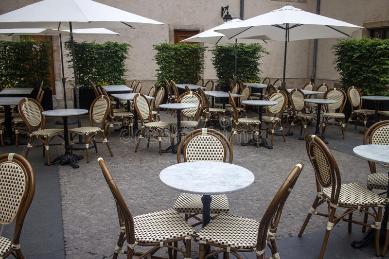 Utomhus- terrass av restaurangen arkivbilder
