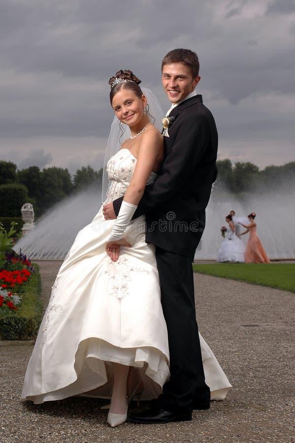 utomhus- två bröllop för fanny royaltyfri bild