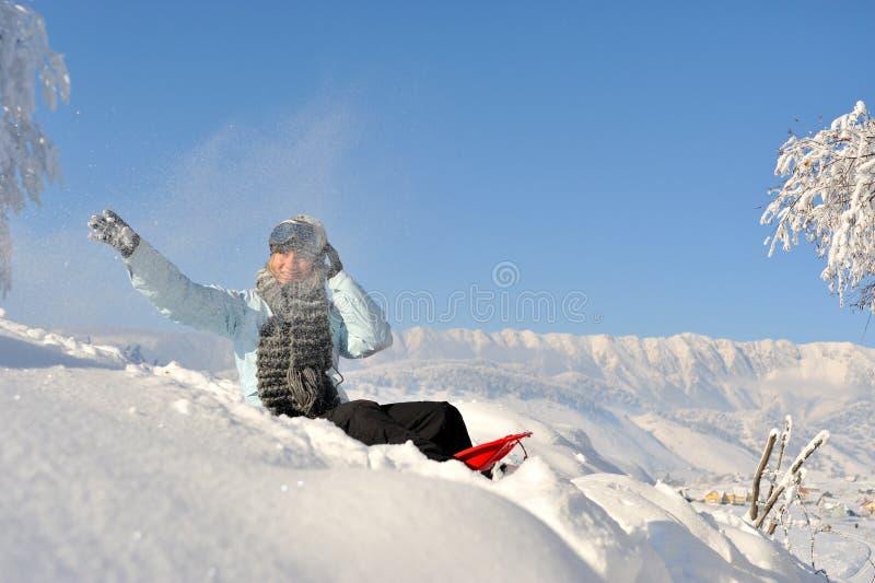 utomhus- vinterkvinnabarn royaltyfri fotografi
