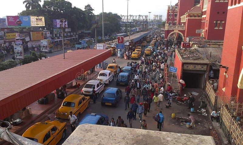Utomstående vy över Howrah Station, Kolkata, Indien royaltyfri foto