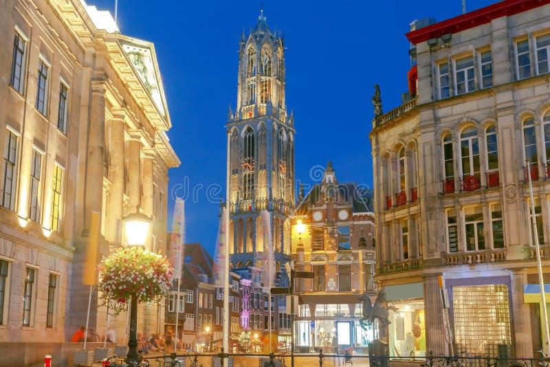 utrecht Torre vieja en la noche imagen de archivo