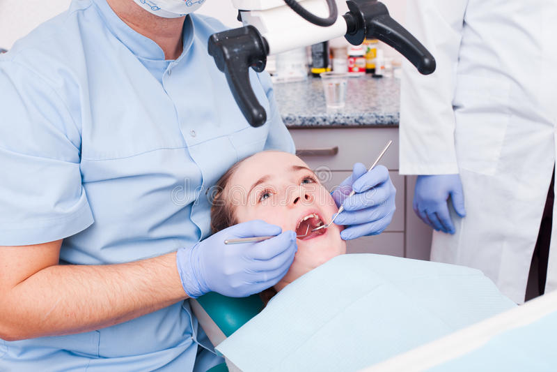 Utrustning i tandläkekonst arkivbild