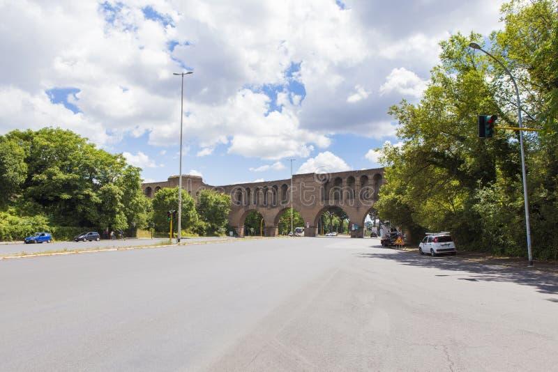 Utrzymana część od Aurelian ściany od Rzym fotografia royalty free