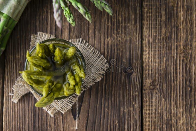 Utrzymany zielony asparagus obrazy royalty free