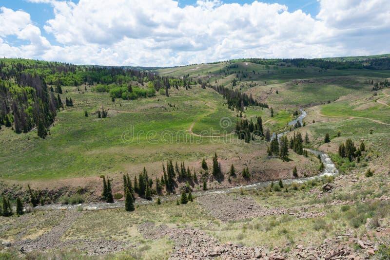 Utsikt för högt berg arkivbilder