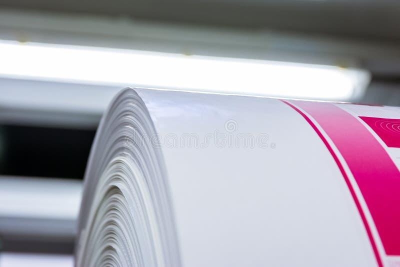 Utskrivavet Flexography rullmaterial täcker cylinderproduktion Ind arkivbilder