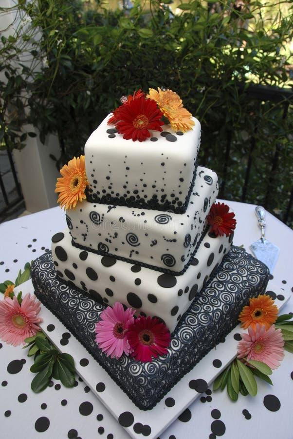 utsmyckat bröllop för cake arkivfoto