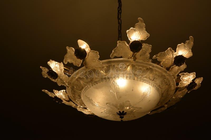 Utsmyckat ljus på tak royaltyfria foton