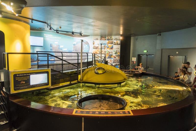 Utställning av det maritima museet La Citera de La Mer eller stad av havet i Cherbourg, Frankrike royaltyfria foton