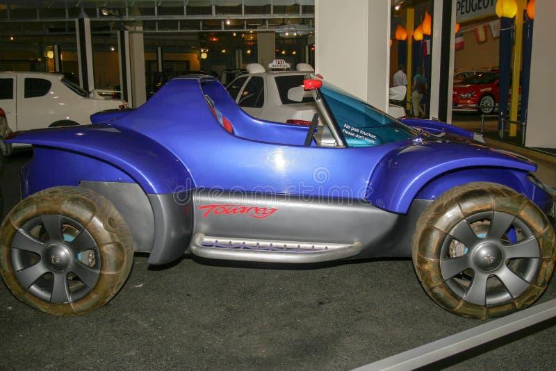 Utställning av Peugeot bilar på det Peugeot museet i Sochaux Frankrike arkivbilder