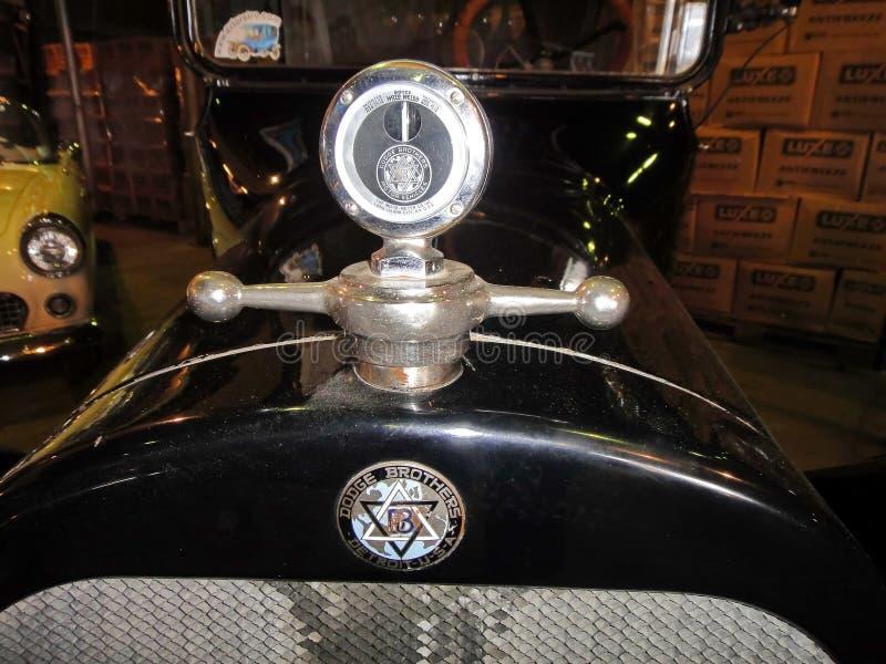 Utst?llning av retro bilar Bilen 'Dodge bröder modellerar 30-35 ', året av tillverkning 1915, kapacitet 20 HP, USA royaltyfri bild