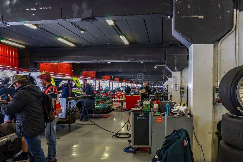 Uttålighet som springer legender i montjuic show för bil för andeBarcelona strömkrets royaltyfria foton