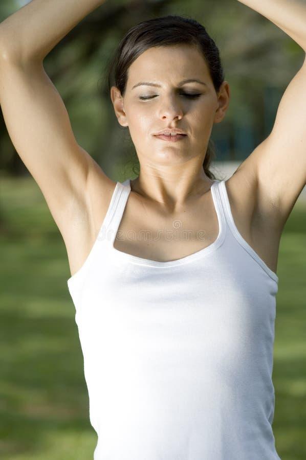 Utvändig meditation royaltyfria bilder