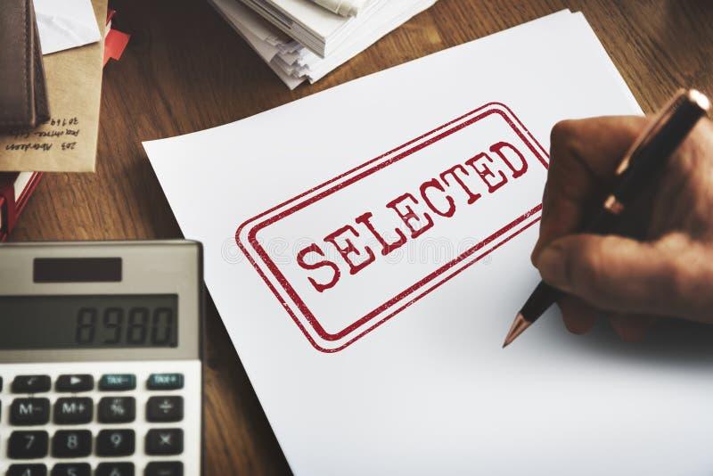Utvalt begrepp för status för beslutsresultatval ja arkivfoto