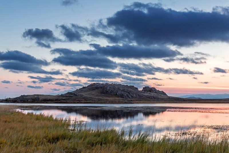 Uur vóór dageraad op Meer Baikal royalty-vrije stock afbeeldingen