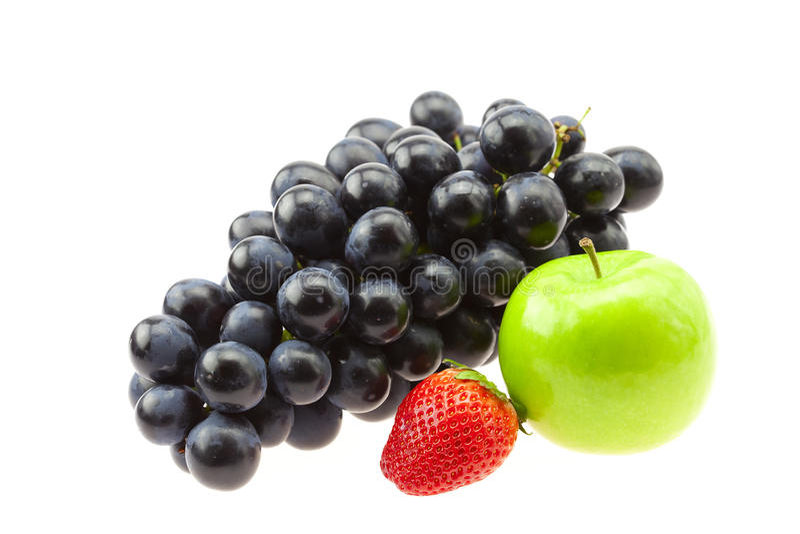 Uva, fragole e mela fotografie stock libere da diritti