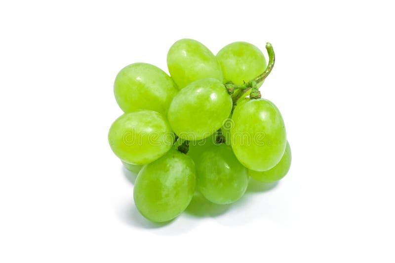 Uva verde fresca isolata su fondo bianco fotografia stock libera da diritti