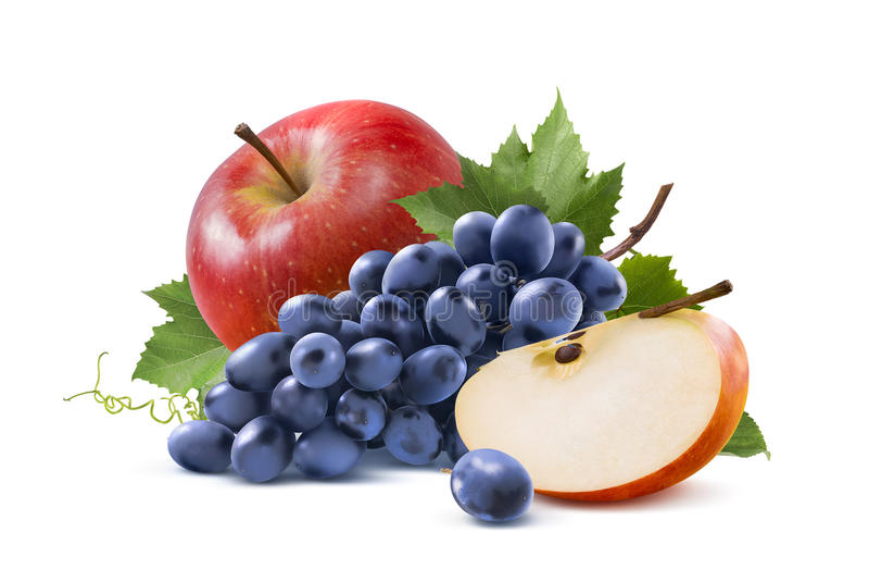 Uvas vermelhas da maçã e do azul isoladas no fundo branco foto de stock