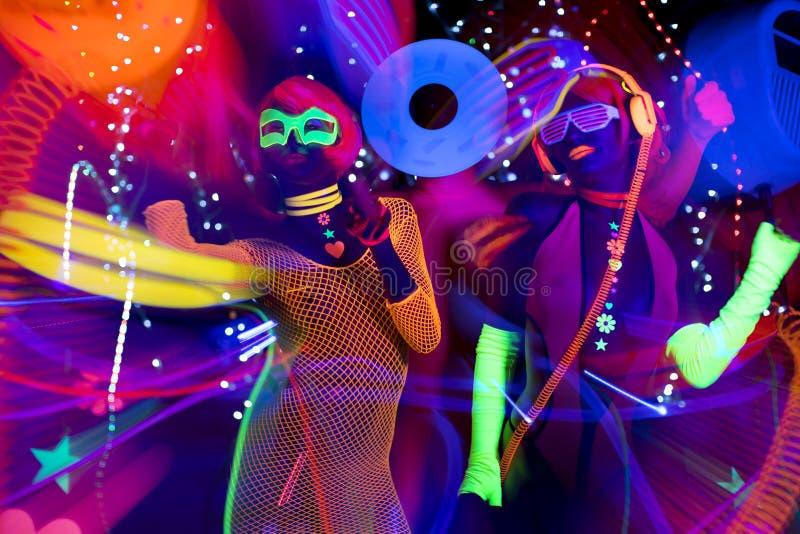 UVsexy Neondisco des Glühens weibliche Cyberpuppe stockbilder