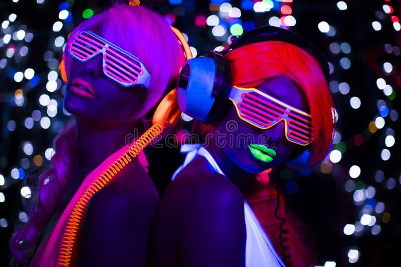 UVsexy Neondisco des Glühens weibliche Cyberpuppe lizenzfreie stockbilder