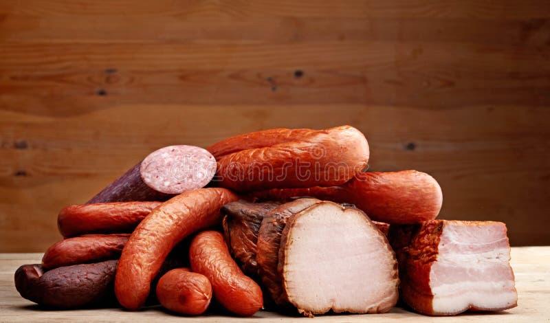 Uwędzony mięso i kiełbasy zdjęcie royalty free