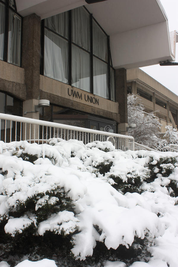 UW-Milwaukee-Student Union Entrance im Winter, Milwaukee stockfoto