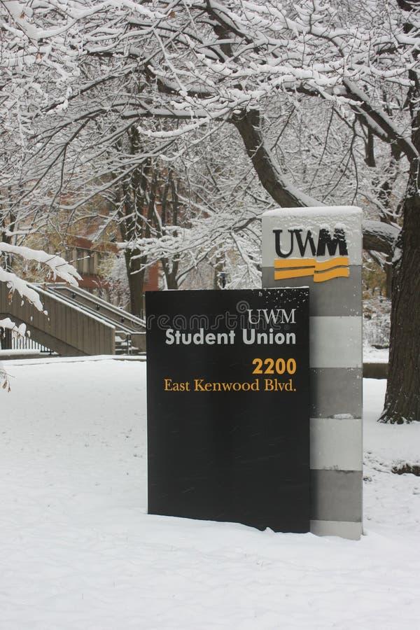 UW-Milwaukee-Student Union Sign stockfotos