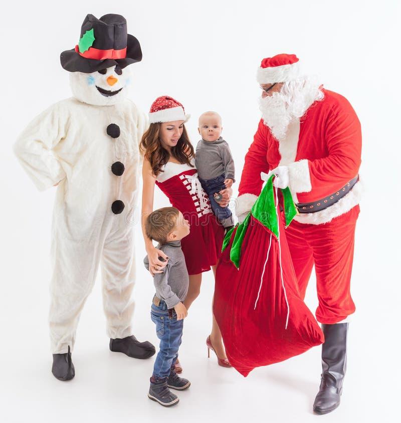 Uw vader is Kerstman Geeft giftdozen bij Kerstmis stock afbeelding