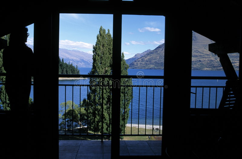 uwagi na okna jezioro zdjęcie stock