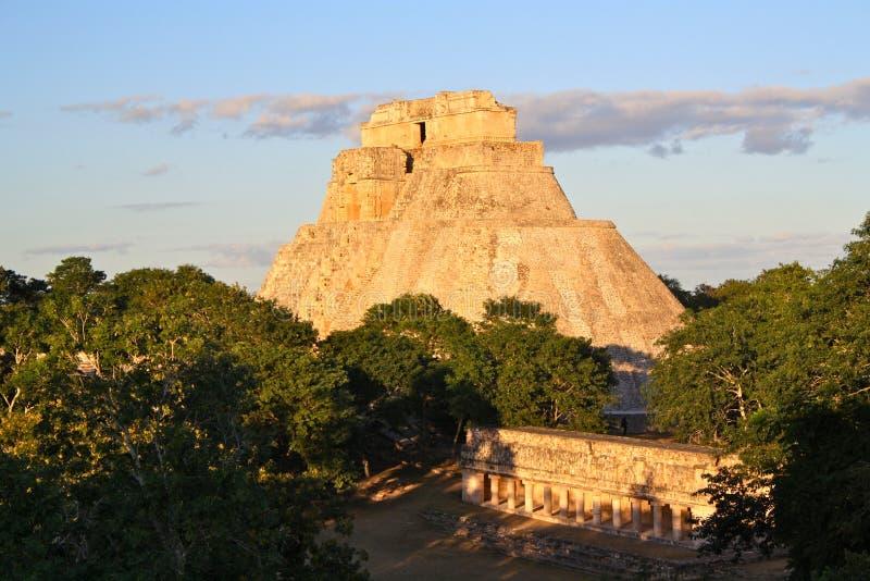 Uxmal Mayapyramide, Yucatan, Mexiko lizenzfreie stockfotos
