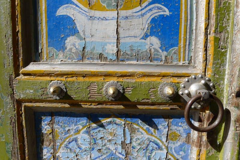 Uyghur dörr i Kashgar royaltyfria bilder