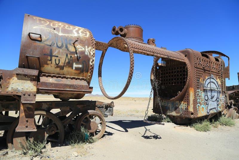 uyuni de train de cimetière de la Bolivie photo stock