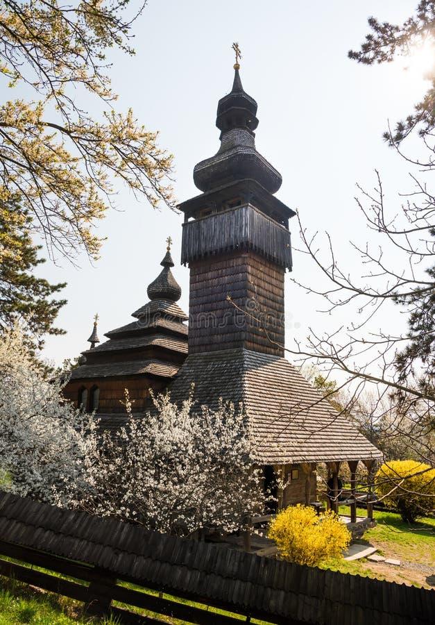 Παλαιά ξύλινη εκκλησία σε Uzhgorod, Ουκρανία στοκ φωτογραφίες