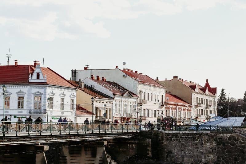 Uzhgorod Miasto krajobraz z kamiennymi domami zdjęcie stock