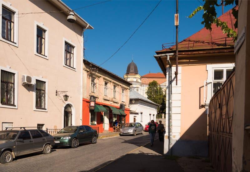 UZHHOROD, УКРАИНА - 7-ОЕ ОКТЯБРЯ 2018: Улицы и архитектура  стоковое изображение