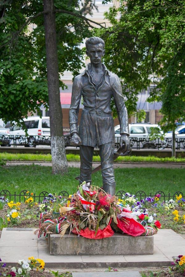 Uzhhorod, Ukraine - 27. April 2016: Monument von Sandor Petofi lizenzfreie stockbilder