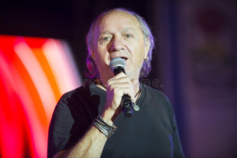 Uzi Fux ist ein israelischer Sänger an Unabhängigkeitstag Israels 70 stockfotos