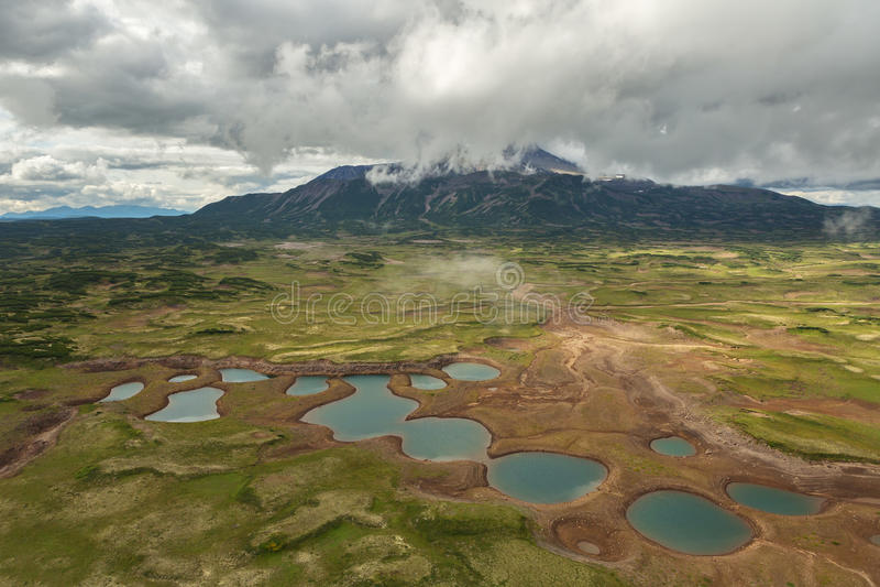 Uzon Caldera i Kronotsky naturreserv på den Kamchatka halvön arkivfoto