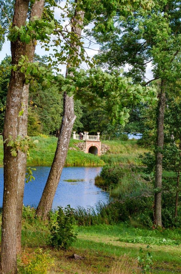 Uzutrakis-Park durch E f André auf der Halbinsel von Galves und von Skaistis See nahe Trakai stockfoto