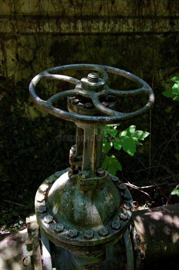 Válvula abandonada da água fotos de stock royalty free