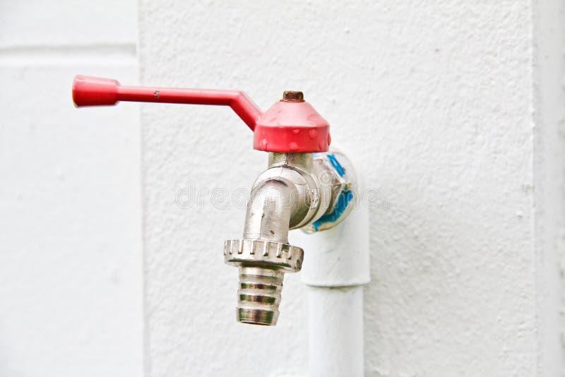 Válvula del abastecimiento de agua. imagen de archivo