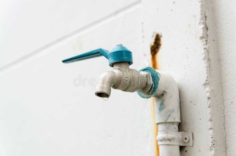 Download Válvula Del Agua De La Etiqueta Imagen de archivo - Imagen de líquido, jardín: 41903103
