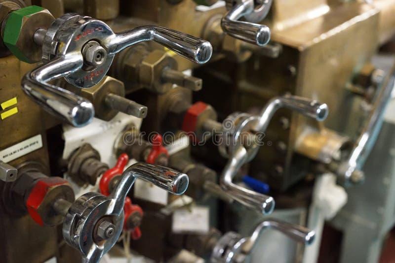 Válvulas de interrupção da água no submarino fotos de stock royalty free